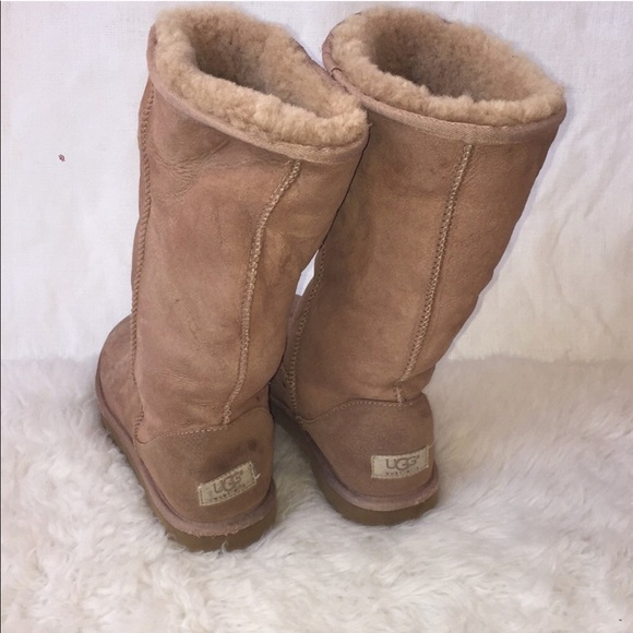 223e98a346f Ugg Classic Tall Boots